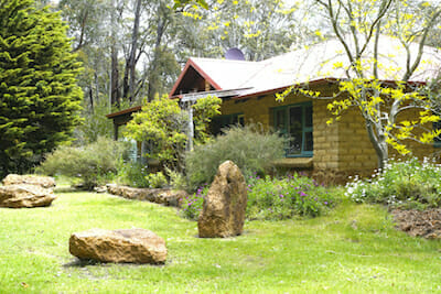 Porongurup Inn - Two fully self contained mud brick cottages
